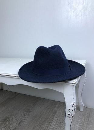 Стильная шерстяная шляпа федора