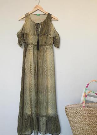 Шикарна сукня максі з рюшою benetton