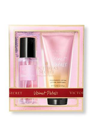 Набор косметики спрей и лосьон в подарочной упаковке velvet petals victoria's secret