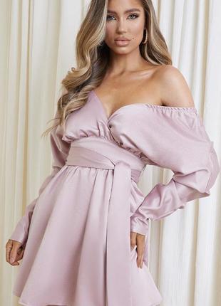 Шикарное платье в нежно-лиловом цвете