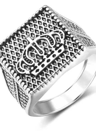 Мужской перстень печатка корона