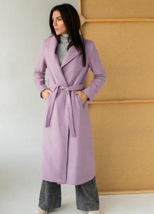 Демісезонне пальто з поясом