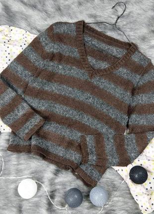Снижена цена!! свитер джемпер с v-образным вырезом