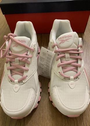 Кроссовки, оригінальні кросівки, білі.