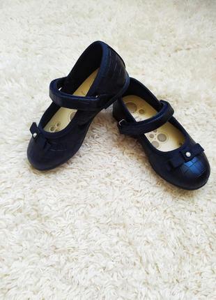 Туфельки chicco,  25 размер