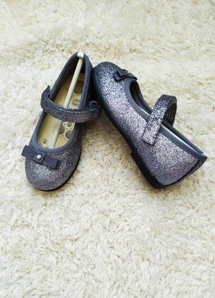Туфельки chicco,  24 размер