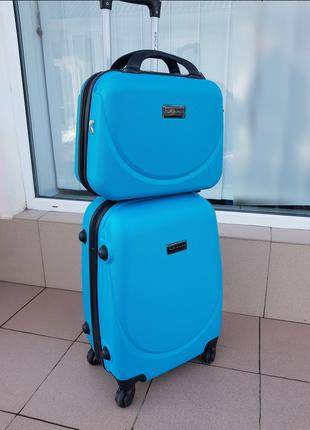 Дорожный чемодан wings 310 с бьютиком