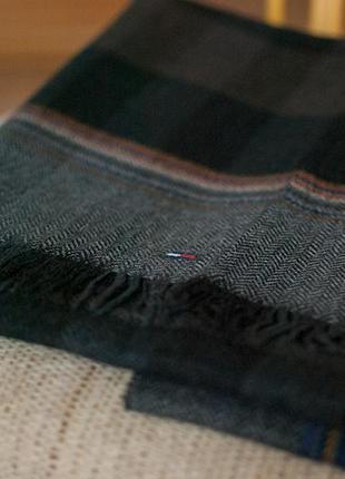Большой шерстяной шарф от tommy hilfiger
