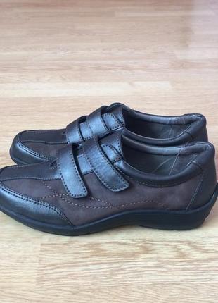 Кожаные кроссовки medicus германия 38 размера в состоянии новых
