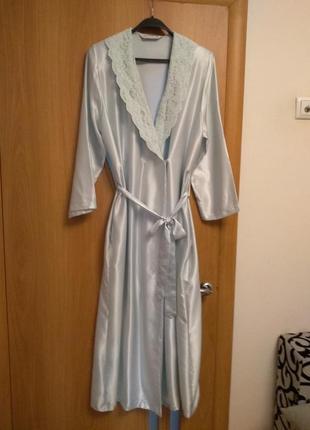 Нежный красивый халат с кружевным воротничком и карманами. размер 12-14-16