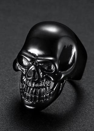 Стильное байкерское кольцо в стиле панк с черепом чёрное сталь