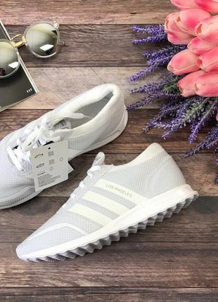 Стильные тренировочные кроссовки adidas на рифленой подошве  sh29511