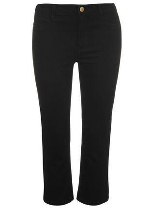 Стильные черные джинсы укороченного фасона на высокой посадке