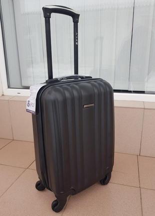 Отличный дорожный чемодан фирмы fly польша
