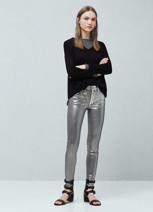 Мега крутые серебряные джинсы стрейтч, скинни mango it38 и it40
