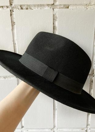 Черная шерстяная шляпа h&m не zara не cos