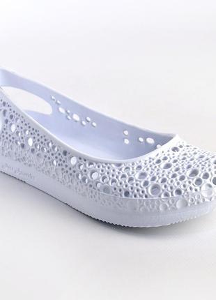 Босоножки женские. германия-украина. балетки летние мыльницы. пляжная обувь кроксы. белые