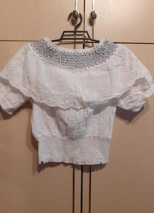 Блузочка ажурная. короткая