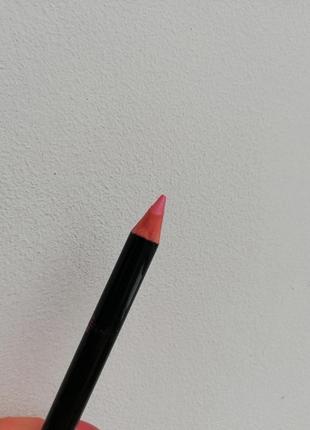 Контурный карандаш для губ мисс утонченность eye to eye faberlic 4590 персиковое суфле