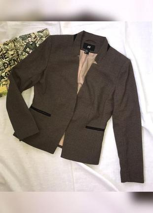 Жіночий піджак / жакет
