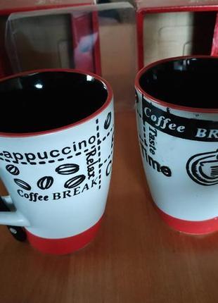 Набор из двух керамичных чашек с ложками