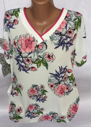 Шикарная нежная футболка , блуза