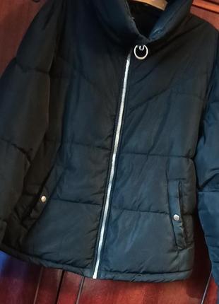 Куртка bershka c колечком на змейке