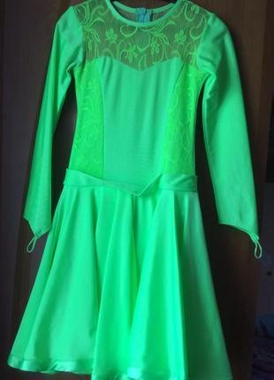 Платье для бальных танцев размер 6-8 лет