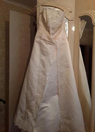 Вечернее или свадебное платье шампань