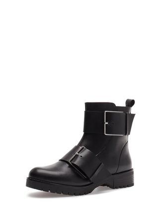 Стильные кожаные ботинки stradivarius