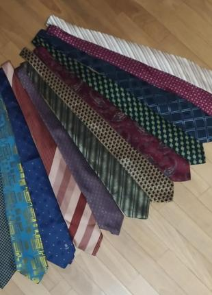 Брендовий галстук