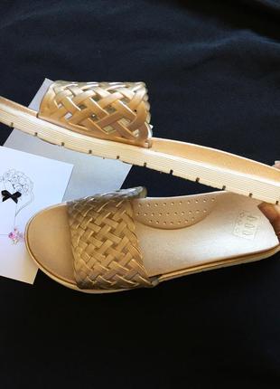 Золотые шлёпки сандали сабо босоножки