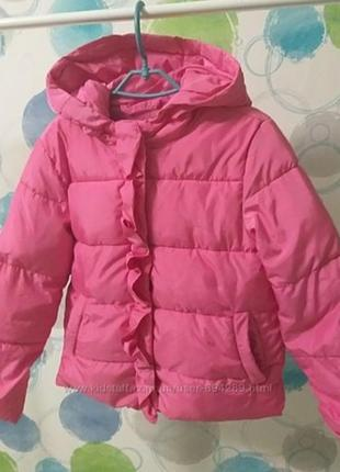 Очень красивая яркая демисезонная куртка 4-5 лет