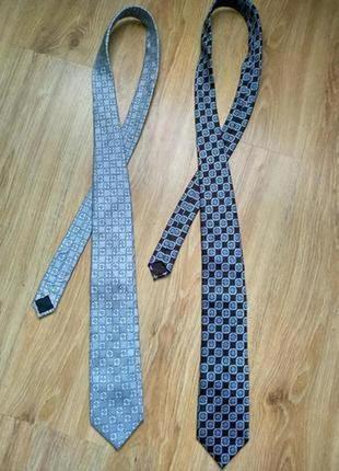Лот из двух фирменных галстуков