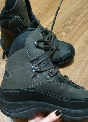 Трекинговые ботинки из натуральной кожи