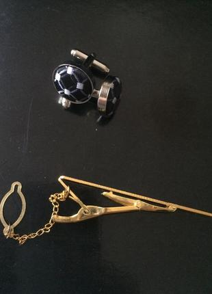 Запонки и держатель для галстука