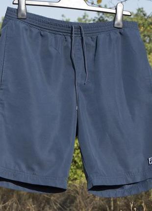 Мужские красивые шорты fila оригинал размер м