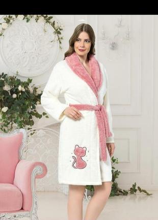 Красивый женский теплый короткий махровый халат, яркие теплые турецкие махровые халаты