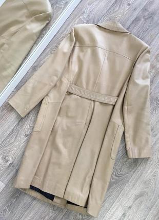 Бежевый плащ пальто из натуральной кожи как в zara
