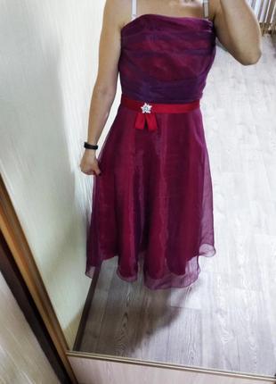 Женское вечернее платье на торжество длинное бордовое на выпускной