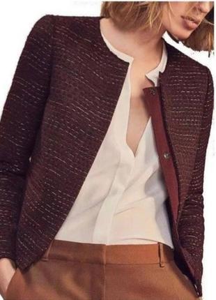 Красивый пиджак известного бренда