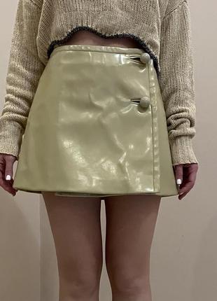 Кожаная юбка prada, оригинал