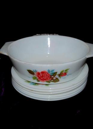 Набор 1970х блюдо тарелки белое стекло антиквариат jaj cottage rose англия