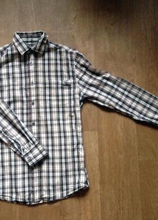 Модная клетчатая рубашка бренда easy