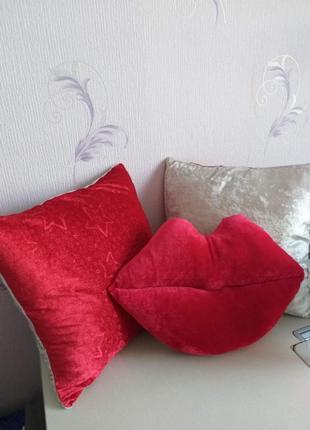 Набор лекоративных подушек ко дню влюбленных валентина