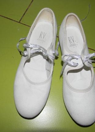 Туфли белые для танцев rv  на девочку 36,5 р4 фото