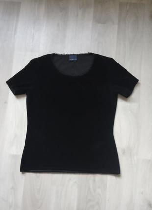 Черная женская бархатная футболка