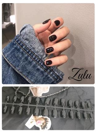 Комплект накладных ногтей черного цвета 24 шт.