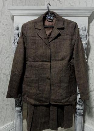 Шерстяной теплый костюм, пиджак  с юбкой  100% шерсть