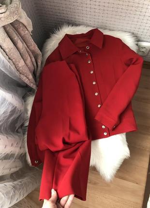 Брючный красный костюм пиджак жакет клёш